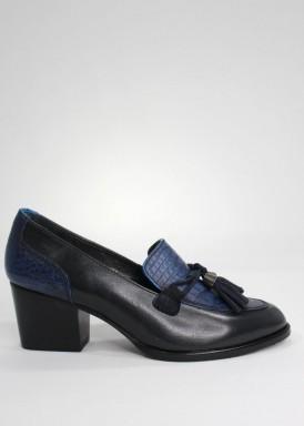 Zapato mocasín borlas azul marino con tacón  5  cm. de Losal