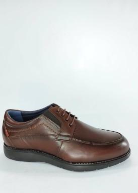 Zapato clásico marrón con cordón ancho especial. Tolino