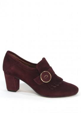 Zapato abotinado flecos y botón burdeos. Roldán