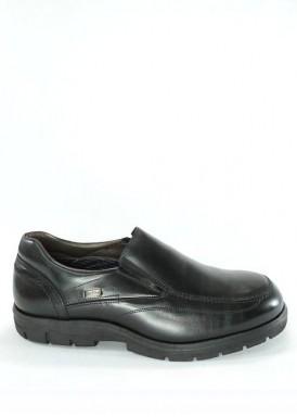Zapato estilo mocasín con elásticos laterales. Negro. MEMBRENA IMPERMEABLE. Tubolari.