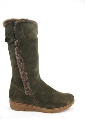 Bota caña alta serraje verde kaki, piso goma baja con forro cálido. Desireé