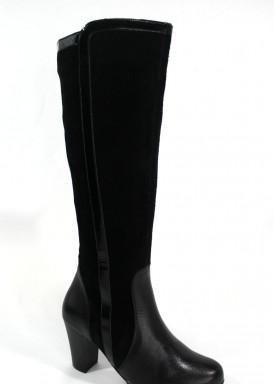 Bota caña alta de piel, ante y charol, con tacón 7 cm.