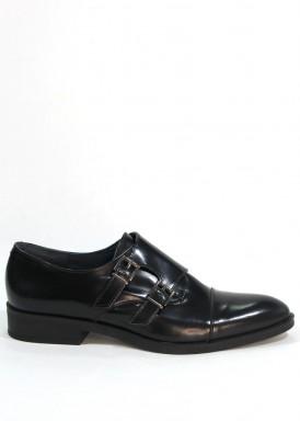 Zapato  piel sebago negro con dos  hebillas . Tolino