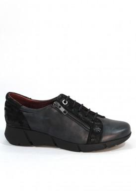 Zapato de cordón  y cremallera de piel con grabado serpiente en talón. Negro. Piso goma. FAP