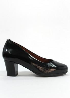 Zapato salón  charol negro .  Ancho especial. Tacón  ancho 4 cm. Desireé