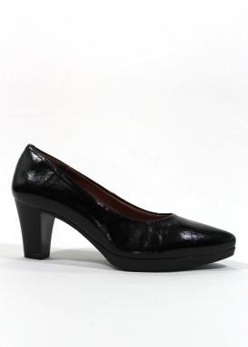 Zapato salón  charol . Negro. Tacón 5 cm. Punta fina.  Desireé.