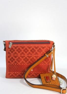 Bolso bandolera modelo alforja. Rojo. Con monedero color cuero. kimmidoll