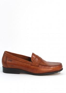 Zapato hombre tipo mocasín antifaz  de vestir con piso extraligero.  Marrón claro.Fluchos