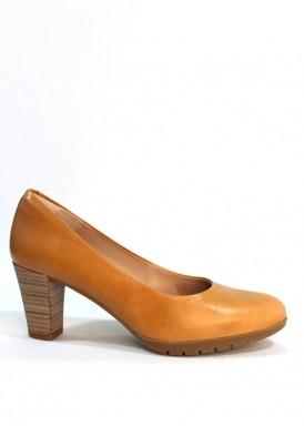 Zapato salón  piel confortable, tacón ancho 5 cm. Camel. Desireé