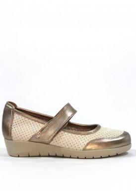 Zapato  de piel estilo merceditas con velcro en blanco y cobre.  Ancho especial. MIPASCU