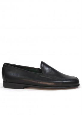Zapato mocasín hombre de piel suave y piso flexible. Color Negro. TOLINO