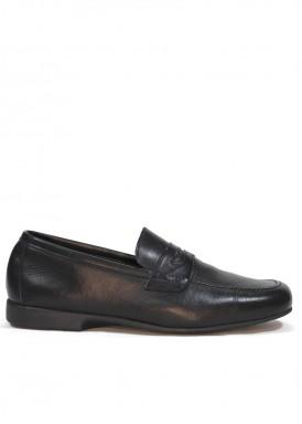 Zapato mocasín  antifaz hombre, de piel suave y piso flexible. Color Negro TOLINO