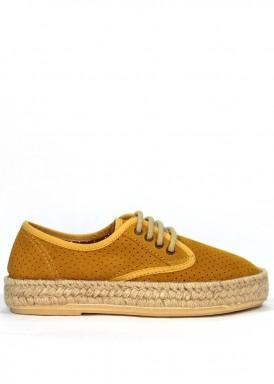 Zapato de serraje de cordón con piso de esparto. Color Mostaza. Calzados Subirán