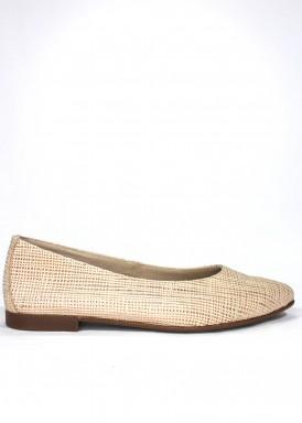 Zapato mujer de piel estilo francesita. Piso plano. Color Champang. CARLA ROSETTI