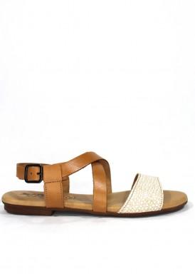Sandalia tiras cruzadas piel grabada y cuero, cuña baja  . Color Beis-blanco. MIPASCU