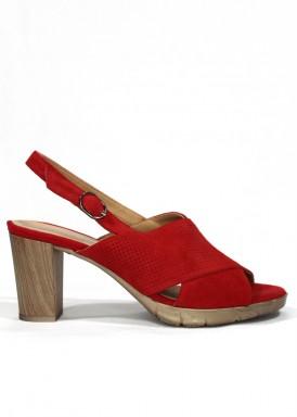 Sandalia tacón madera 6 cm. ante rojo. DESIREE
