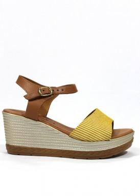 Sandalia de cuña media de piel, color amarillo limó-blanco-cuero. BOLA 22