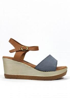 Sandalia de cuña media de piel, color azul marino-blanco-cuero. BOLA 22