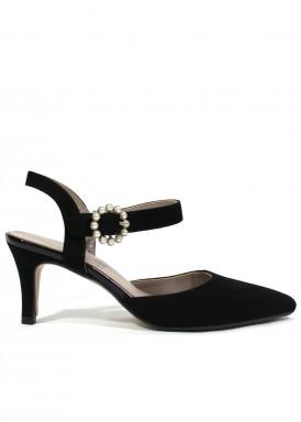 Zapato de ante con pulsera, cerrado en punta. Color negro. ANA ROMÁN