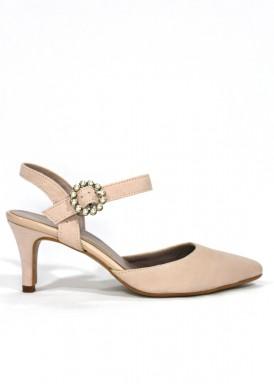 Zapato de ante con pulsera, cerrado en punta. Color rosa empolvado. ANA ROMÁN