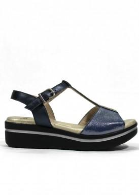 Sandalia de piel. Ancho especial. Color azul marino. Ana Román