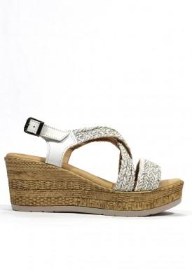Sandalia de piel cuña alta y plataforma color blanco. Mipascu