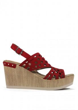 Sandalia de cuña alta  de piel. Color rojo. Dorking by Fluchos.