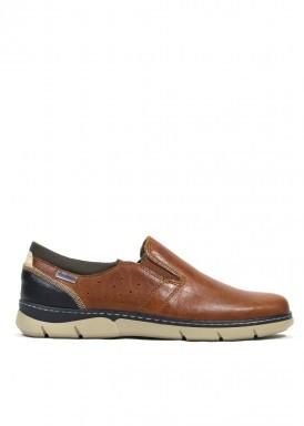 Zapato mocasín deportivo  de piel ,estilo casual, piso ligero. Color cuero. HIMALAYA