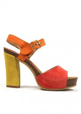Sandalia de ante de tacón ancho. Amarillo, coral y naranjo. ANA ROMÁN