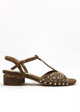 Sandalia clásica de ante con pedrería molelo clasic. Color taupe. Alma en Pena
