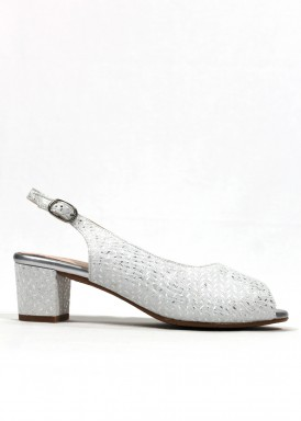 Zapato salón destalonado y puntera abierta de piel. Ancho especial . Plata-blanco. FAP