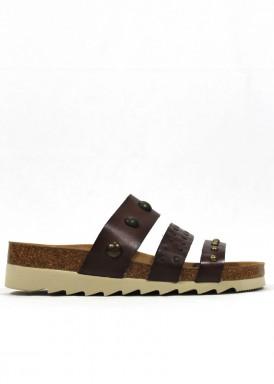 Sandalia descalza tres tiras con tachuelas marrón. Trisoles