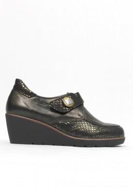 Zapato membrana impermeable cuña media. Piel. Color cobre. Tamicus