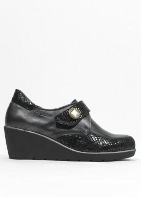 Zapato membrana impermeable cuña media. Piel. Color Negro. Tamicus