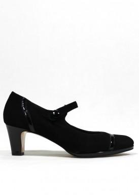 Zapato con pulsera de charol y ante, color negro.  Tacón 5 cm . PASTHER