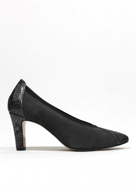 Zapato salón en ante y piel de color gris. Pasther