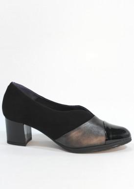 Zapato ancho especial, copete de piel, charol y ante. Tacón 4 cm. PASTHER