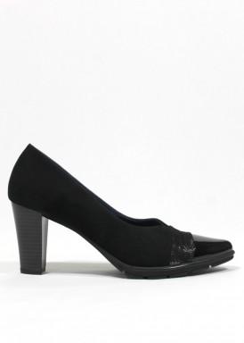 Zapato corte salón escote en pico. Ante, charol y piel grabada. Negro. PASTHER