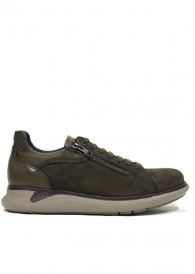 Zapato estilo deportivo extraligero. kaki. FLUCHOS