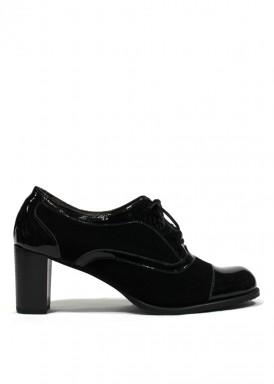 Zapato cordón de charol y ante. Negro. TUBOLARI