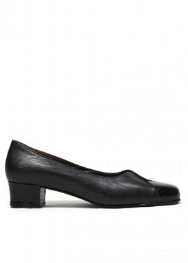 Zapato salón en V , charol, ante y piel. Tacón 3 cm. Negro. ROLDÁN.