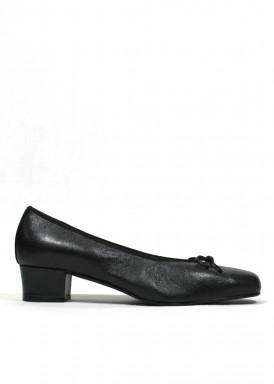Zapato francesita con tacón bajo. Piel negro. Roldán