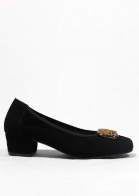 Zapato salón  de ante negro, con adorno  pelo minitopos. ROLDÁN