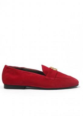 Zapato de ante en copete, color rojo. Piso bajo. ROLDÁN