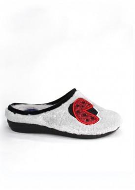 Zapatillas de casa de mujer, descalzas, cuña baja , color gris con adorno rojo de Laro