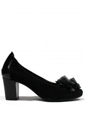 Zapato salón ante de ancho especial. Tacón 6 cm. Negro . Roldán