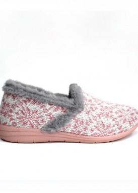Zapatilla cerrada mujer dibujo nórdica rosa y gris. Laro